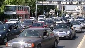 İstanbulda Pazar trafiği felç oldu