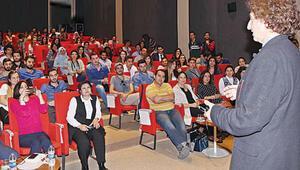 Belgeseli çekilen Türk ders verdi