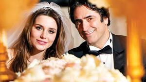 Mahsun Kırmızıgül eşi ve kızıyla Türkiyeye döndü