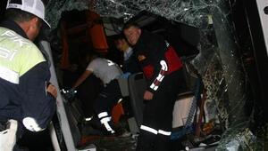 Yozgat ve Çorumda yolcu otobüsleri kaza yaptı