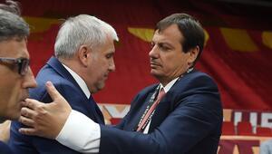 Ergin Ataman Obradovice sarıldı