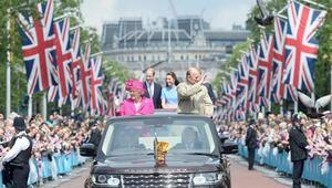 İngiltere kraliçesi, doğum gününü sokak partisiyle kutladı