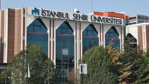 Ünlü isimler İstanbul Şehir Üniversitesine katıldı