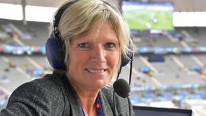 Kadın spiker Euro 2016yı anlattı hakaret yağdı