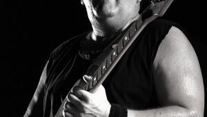 Ünlü gitaristten üzücü haber