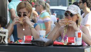 Esra-Ceyda Ersoy kardeşlerden hamburger açıklaması
