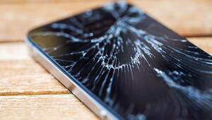 Her 4 cep telefonundan biri tamire gidiyor