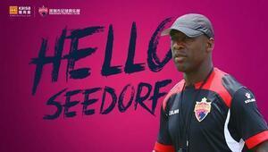 Seedorf da Çine transfer oldu