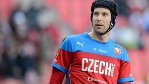 Petr Cech bıraktı