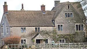 Ünlü müzisyen 400 yıllık evini satışa çıkardı