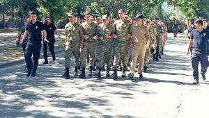 700 asker teslim oldu