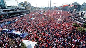 Taksimde darbeye hayır manifestosu
