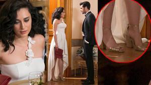 O elbisenin altına o ayakkabı olmuş mu