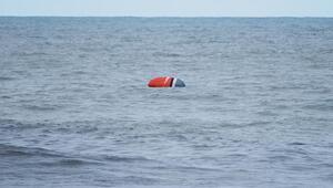 Paraşütüyle denize düştü, 1 saat kurtarılmayı bekledi