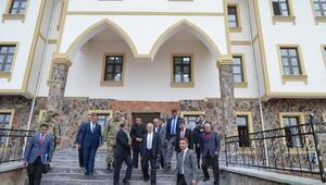 Malatya Valisi Kamçı, Pütürge ve Doğanyol ilçelerini ziyaret etti