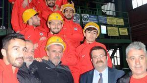 Kömürsporlu futbolcular, maden ocağına girdi