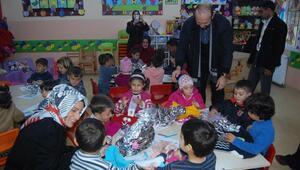 TÜRGEV heyeti, konteyner kentteki Suriyelileri ziyaret etti