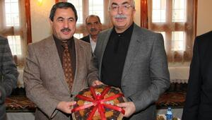 Darende Belediye Başkanı Eser, Tokat Valisi Canı ziyaret etti