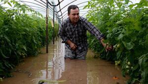 Antalyadaki kuvvetli yağış ve fırtına