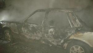 İpsala'da, park halindeki otomobil yandı