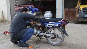 Piknik tüpüyle çalışan motosiklet