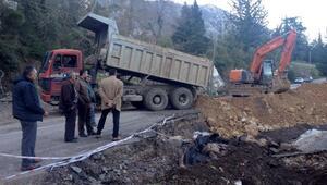 Olimposta heyelan nedeniyle bozulan yollar tamir edildi