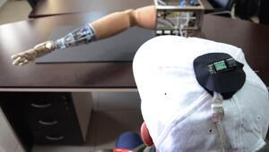 Kafa ve ayakla kontrol edilen yapay kol yaptılar