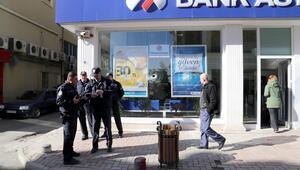 Samsunda banka şubesine baltalı saldırı