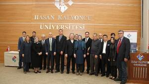 """HKÜ'de """"Ortadoğu'da Son Gelişmeler"""" Paneli"""