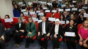 AK Partili Vekil Aday Adayı'ndan Hemcinselerine Kadınlar Günü Jesti