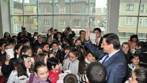 Başkan AK, Çocuklarla Birlikte Tohum Ekti
