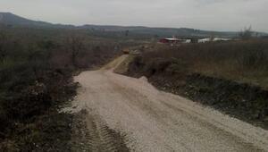 Saruhanlı Belediyesi Arazi Yollarında Bakım Yaptı
