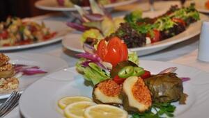 Kebap Diyarı Gaziantep'te Enginar Kebabı Sezonu Açıldı