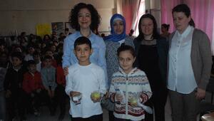 Aliağa'da Büyüme Çağındaki Çocuklara Seminer