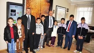 Öğrencilerden Başkan Yazgı'ya Ziyaret