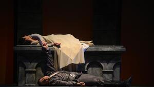 """""""Romeo İle Julyet"""", Sezonun Son Temsiliyle Sanatseverlerle Buluşacak"""