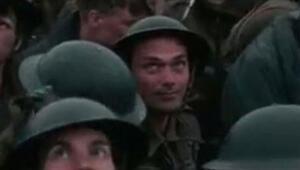 Dev bütçeli Dunkirk filmindeki figüranın beceriksizliği isyan ettirdi