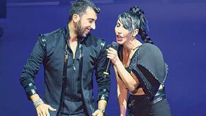 Hande Yener Açıkhava Tiyatrosunu salladı