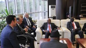 Akan, Afrikalı Büyükelçileri Ağırladı