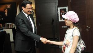 Yabancı Öğrencilerden Başkan AK'a Ziyaret