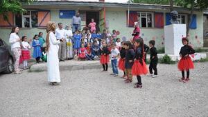 Köy Öğrencileri Atık Malzemelerden Sergi Açtı
