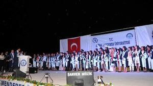 ADÜ Nazilli İibf 1250 Öğrencisini Törenle Uğurladı