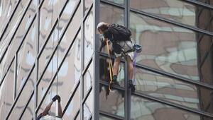 New Yorktaki Trump Towera tırmandı çünkü...