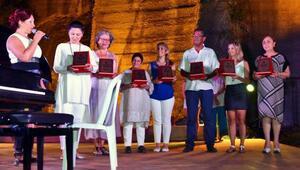 Gümüşlükte festival 2 ismin düetiyle sona erdi