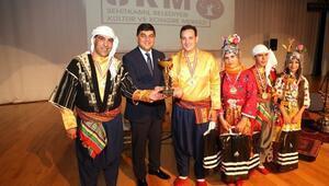 Şehitkamilli Halkoyuncular Türkiye Şampiyonası Sahnesinde Yarışacak
