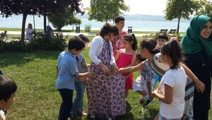 Küçükçekmeceli Çocuklar Geleneksel Oyunları Yaşatıyor