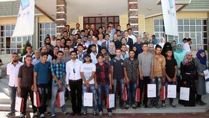 552 Suriyeli'ye Türkçe Diploma