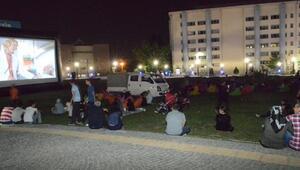 Nilüfer'de Yaz Gecelerinde Sinema Keyfi
