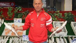 Balık Sezonu Açıldı Hamsinin Kilosu 10 TL Oldu