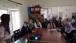 """Kadın Danışma Merkezi'nden """"Aile İçi İletişim Becerileri Ve Çocuk İstismarı """" Eğitimi"""